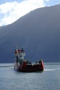 Barcaza a Leptepu