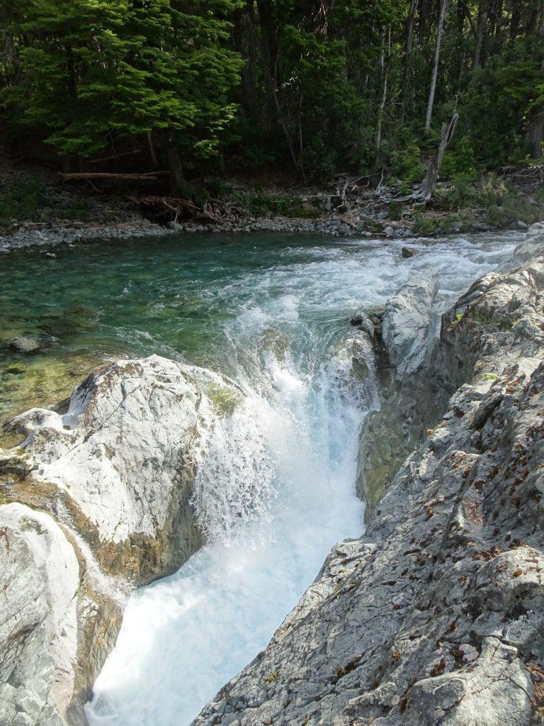 Cascada Nacimiento del Cajón del Río Azul