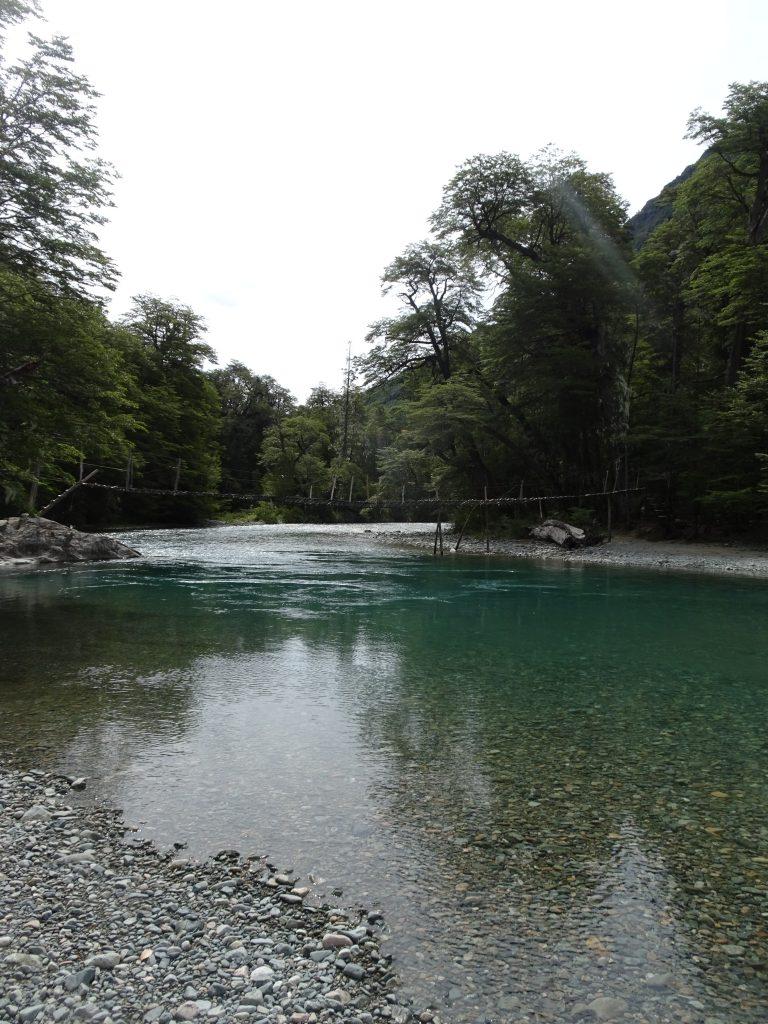 Pasarela sobre el Río Azul